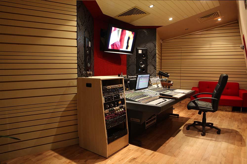Facilities control room
